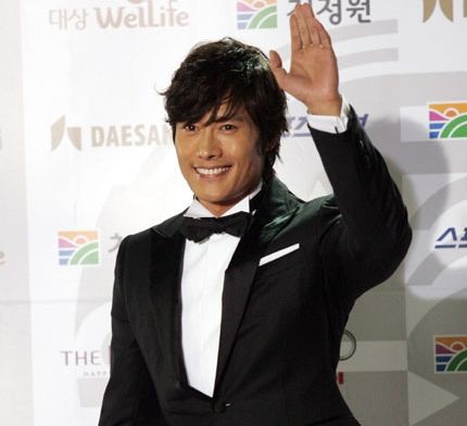 Lee Byung-Hun is famous for his smile.