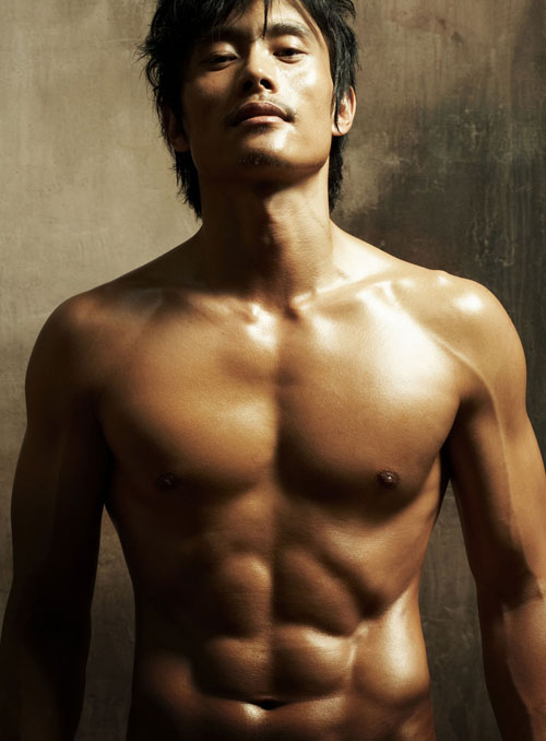 Lee Byung-Hun is famous for a sculpted body, rippling abs, and his martial arts Tae Kwon Do moves.